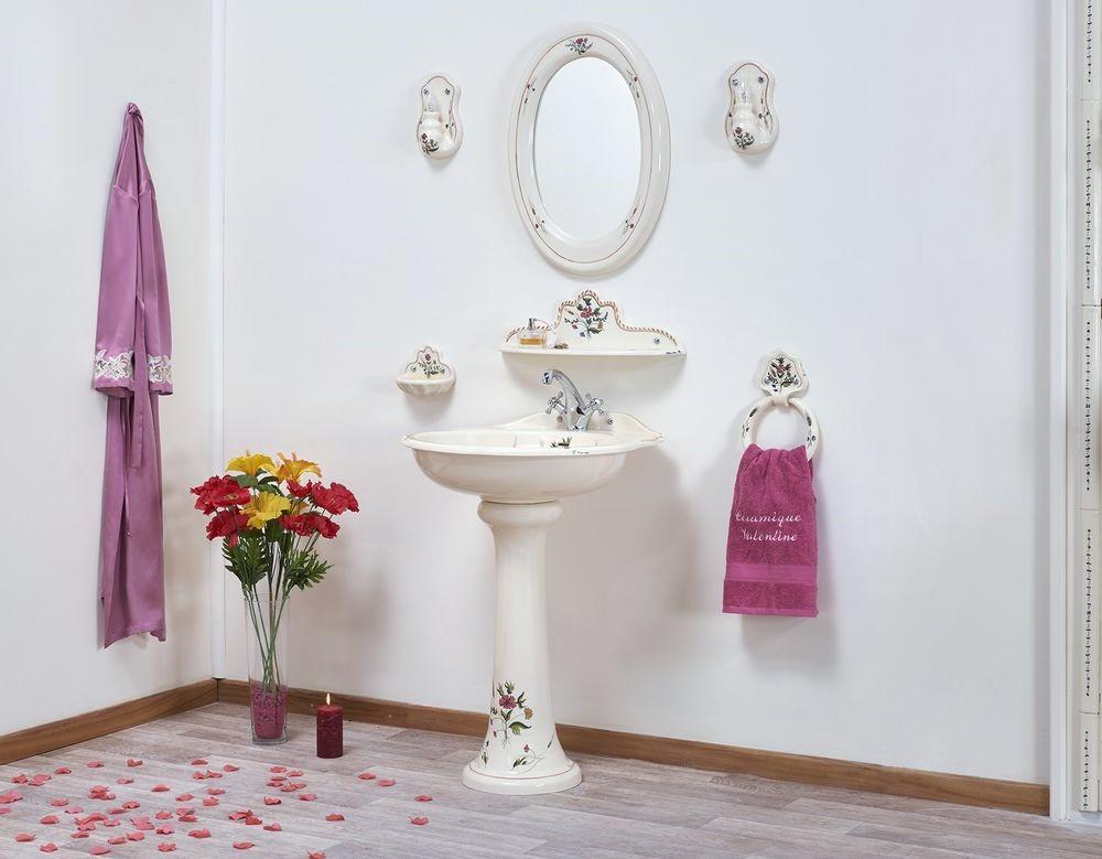 Collection Cheverny : lavabo, étagère, porte-savon, porte-serviette, miroir, luminaire