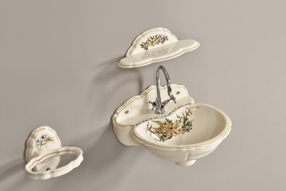 Lave mains fleurs de lys : étagère, porte-serviette